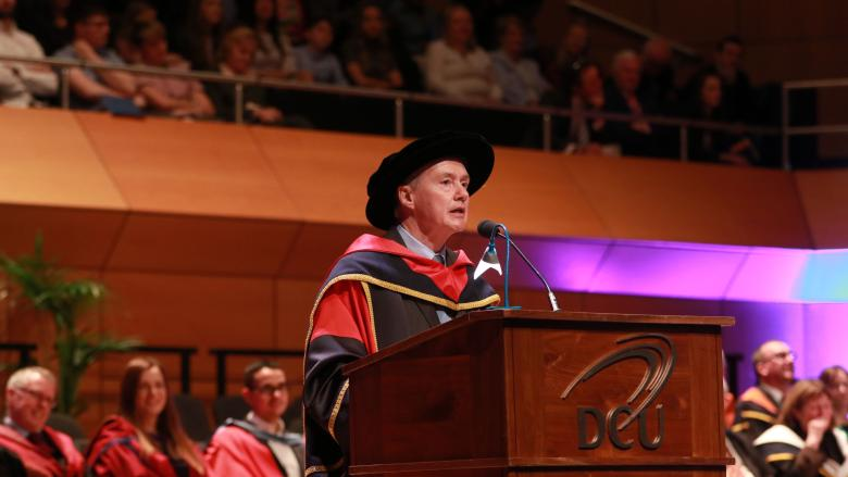 DCU Honorary Graduate Willie Walsh appointed head of the IATA
