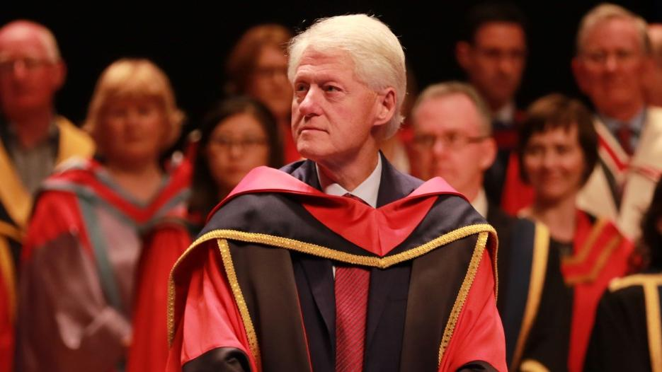 President Bill Clinton is conferred with an the award Doctor of Philosophy (Honoris Causa), 17th of October 2017.