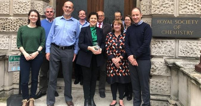 DCU Professor Fiona Regan with her 'Water for Life' Award outside London's Royal Society of Chemistry